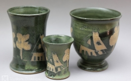 Töpferei Dambeck - Steinzeug grün-geritzt drei Becher