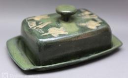 Töpferei Dambeck - Steinzeug grün-geritzt Käseglocke