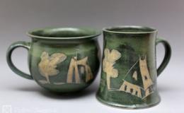 Töpferei Dambeck - Steinzeug grün-geritzt Tasse und Becher