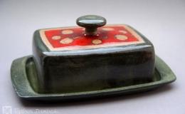 Töpferei Dambeck - Steinzeug grün-rot Käseglocke