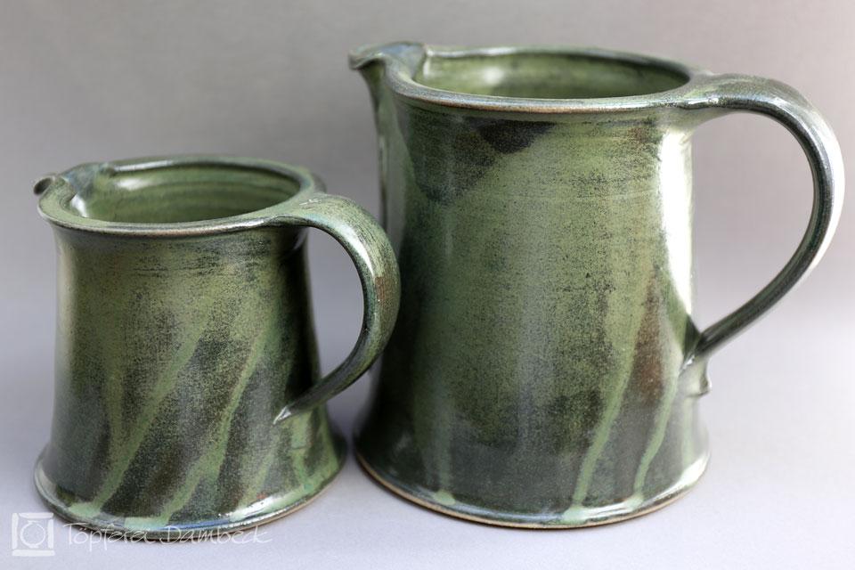Töpferei Dambeck - Steinzeug grün zwei Kannen